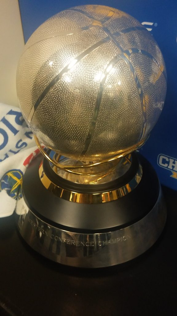 The 2016 Western Conference Championship trophy was presented to the Warriors following Monday night's victory.