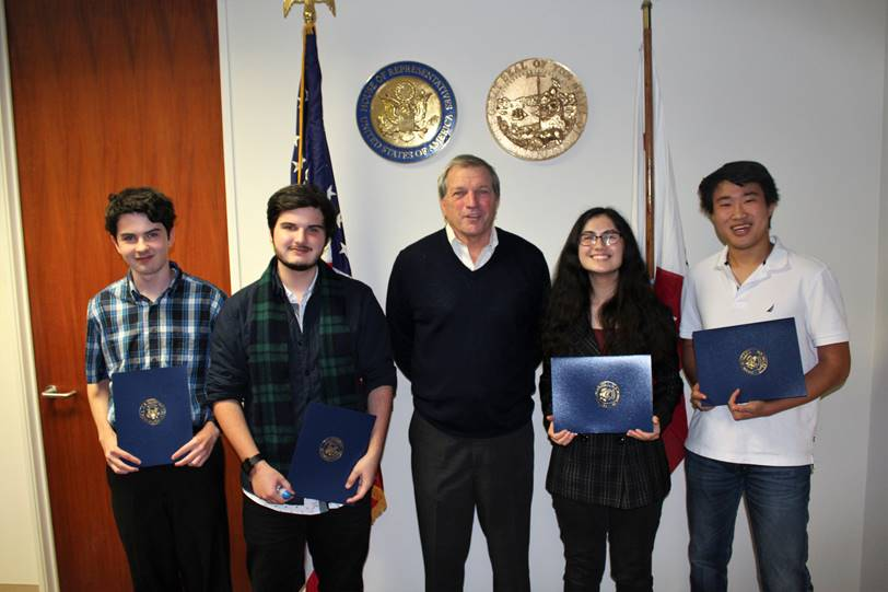 Congressman DeSaulnier (middle) with 2016 Congressional App Challenge participants (from left to right) Ray Altenberg, Ross Altenberg, Jasmine Steele, and Michael Chou.