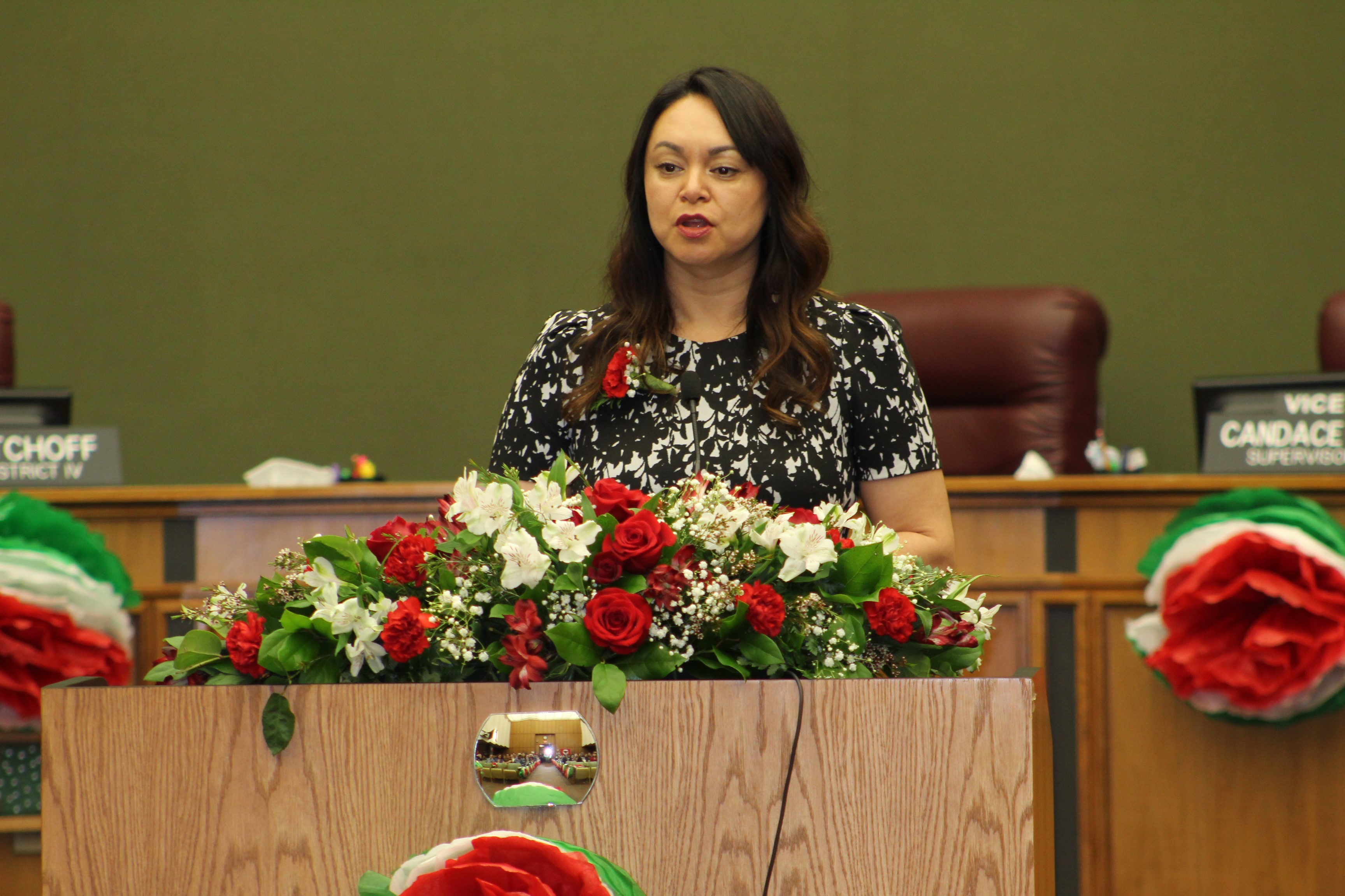 Supervisors peg salary increase plan to Superior Court